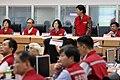 07.07 因應尼伯特颱風來襲,總統視察中央災害應變中心 (27532281474).jpg