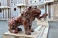 0 Venise, lions en marbre de la Piazzetta dei Leoncini (1).JPG