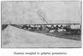 1925 Munteni mergând la prăşitul porumbului.PNG