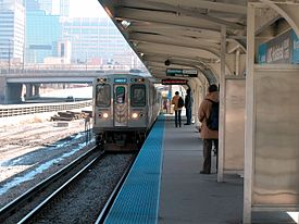 20030314 51 CTA Blue Line L @ U of I Halsted.jpg