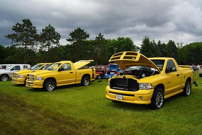 File:2004 & 2 2005 Dodge Ram Rumble Bee Pick-Ups (27390708812).jpg