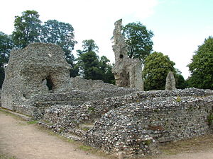 Cobblestone architecture - The ruins of the medieval Thetford Priory in England show flint cobbles and mortar through the whole depth of the wall