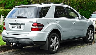 2007 Mercedes-Benz ML 320 CDI (W 164 MY08) Luxury wagon (2011-11-18) 02.jpg