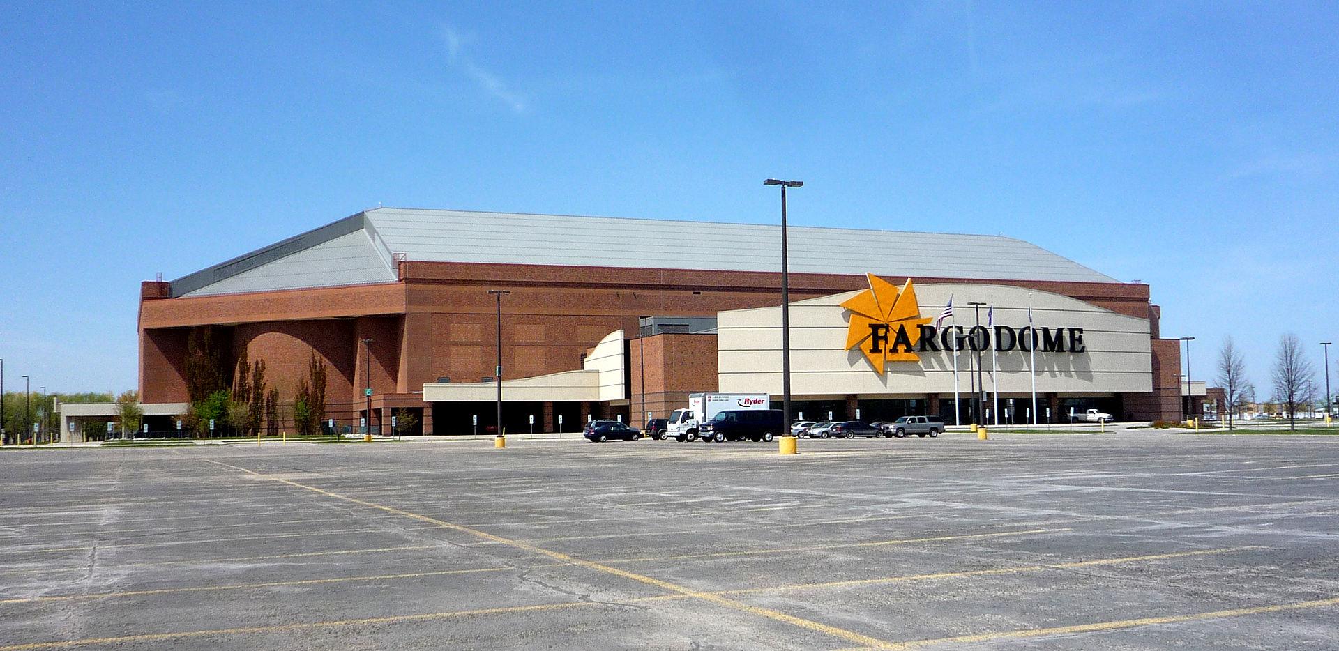 [Image: 1920px-2009-0518-Fargodome.jpg]