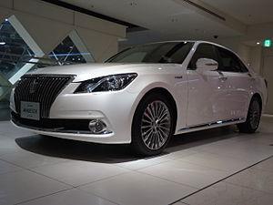 Toyota Crown Majesta - Image: 2013 0922 151323 DSC06088