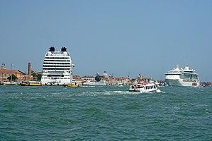 2017 06 Venezia Terminal Passeggeri - Giudecca Canal 2629