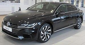 Volkswagen Arteon - Image: 2017 Volkswagen Arteon 4MOTION R Line 2.0 Front