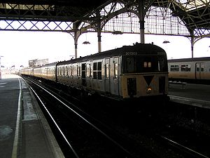 British Rail Class 207 - Image: 207203 arriving at London Bridge