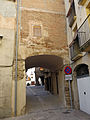 225 Carrer Carnisseries, arc d'entrada a la plaça Major (Artesa de Segre).JPG
