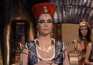 800px-1963 Cleopatra trailer screenshot (10).jpg