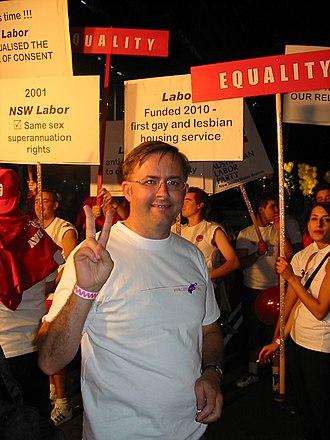 Anthony Albanese - Anthony Albanese at Sydney Gay and Lesbian Mardi Gras, 2003