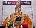A 40 foot Deity in Kolhapur (4022762606).jpg