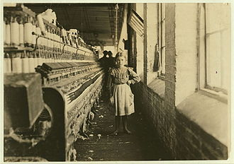Georgia (U.S. state) - A girl spinner in a Georgia cotton mill, 1909.