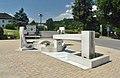 Abstimmungsgedenkbrunnen Rosegg 01.jpg
