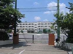 Adachi iriya junior high school