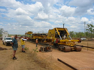 Adelaide-Darwin railway construction By kenhodge13 [CC-BY-2.0 (https://creativecommons.org/licenses/by/2.0)], via Wikimedia Commons