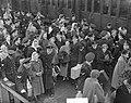 Adelborsten Assaut aankomst Feeentrein Den Helder, Bestanddeelnr 904-3443.jpg