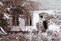 Adjusted Marie Krøyer ved Madam Bendsens hus.jpg