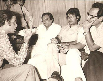 Ahmed Rushdi - Rushdi with Badar Munir, Sohail Rana and a film producer during a song composition