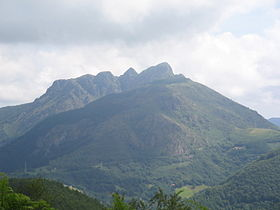 Aiako Harria mountain from the SW.JPG