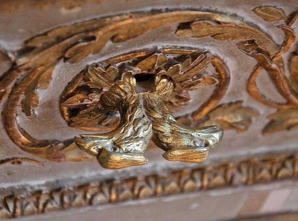 Aigle bicephale poignee bibliotheque cabinets interieurs Reine Versailles