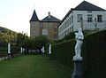 Allée du jardin attenant au Nouveau château d'Ansembourg au Grand-Duché.JPG