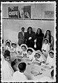 Almoço de crianças em dia de Comunhão Solene no actual terminal rodoviário (3704101828).jpg