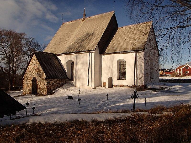 File:Alnö gamla kyrka6.JPG