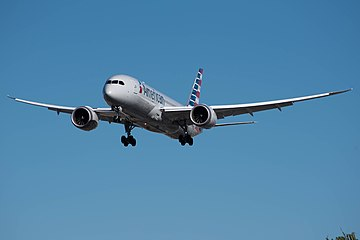 American Airlines Boeing 787-8 (N810AN) at LAX (22543636799).jpg