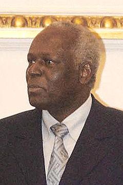 Presidente da República, José Eduardo dos Santos.