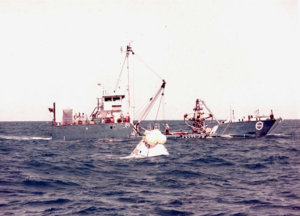 Apollo CM-007A alongside MV Retriever during postlanding systems qualification test (S68-30160).png
