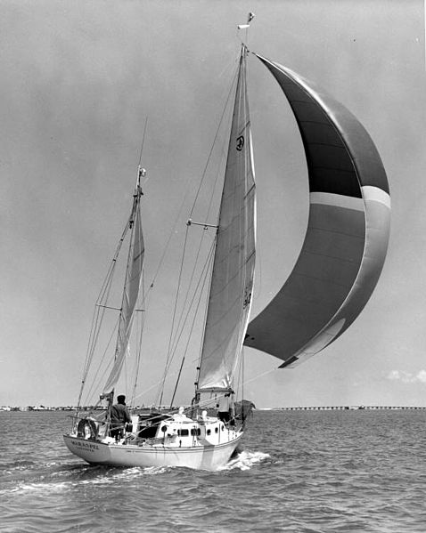 File:Architect Peter Trouchaud sailing in Sarasota Bay (8969167915).jpg