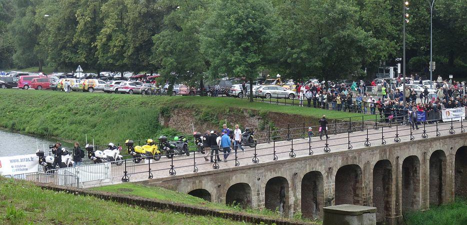 Arras - Tour de France, étape 6, 10 juillet 2014, départ (21).JPG