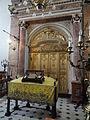Asti Synagogue 7 - l'Arche sainte et la Bimah.JPG