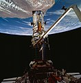 Astronauts Akers and Thornton Remove One of Hubble Space Telescope's Solar Arrays (28051096491).jpg