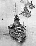 Az HMS Nelson és az HMS Rodney három Revenge osztályú csatahajó társaságában.jpg