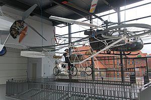 Bückeburg Hubschraubermuseum 2011-by-RaBoe-01.jpg