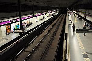 Sagrada Família (Barcelona Metro) - The station's L2 platforms