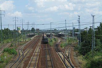 Berlin Schönefeld Flughafen station - Image: Bahnhof Berlin Schoenefeld Flughafen Gleise