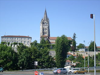 Saintes, Charente-Maritime - The Saint-Eutrope basilica from the Avenue de Saintonge
