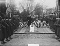Begrafenis Kapitein der Mariniers J.H.M. Graaff te Rotterdam, Bestanddeelnr 904-4382.jpg
