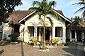Bekas Rumah Dinas Karyawan Pabrik Gula Sewugalur (Sukerfabriek Sewoegaloor) 02.jpg