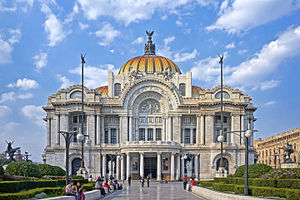 Palacio de Bellas Artes - Front view of the Palacio de Bellas Artes