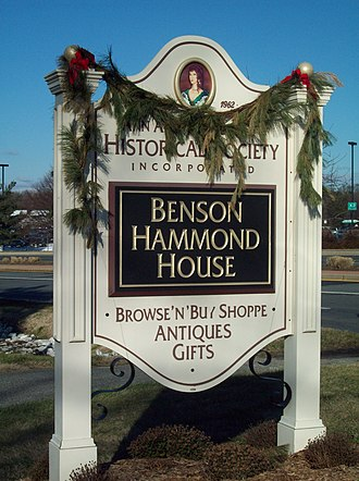 Benson–Hammond House - Sign for the Historical Society during the 2009 Christmas Season.