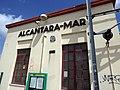 Between Belem and Alcantara (41775562034).jpg