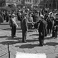 Bezoek Deense Koninklijke familie aan Amsterdam, kranslegging Dam, Bestanddeelnr 906-4208.jpg