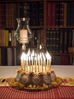 birthday cake wikipedia