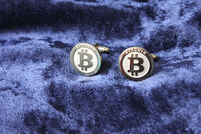 File:Bitcoin cufflinks.JPG