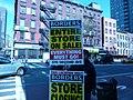 Borders Store Closing Signs (5482850617).jpg