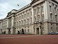 Buckingham Palace, SW1 - geograph.org.uk - 879403.jpg